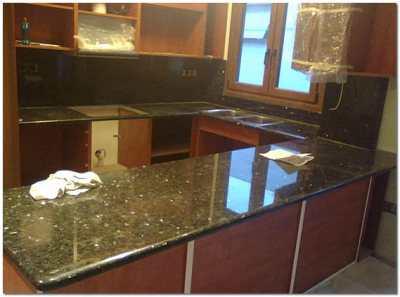 Столешницы из искусственного акрилового камня на кухне